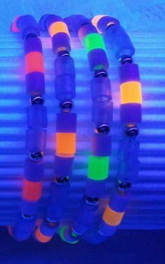 Neon Armbänder von Rose Moe Designerin selbst entworfen und hergestellt