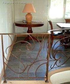 La ferronnerie contemporaine selon Stephan Poirier inspiré par le lieu... #ferronnerie #art #décoration #home Milly La Foret, Decoration, Table, Furniture, Home Decor, Art, Iron Stair Railing, Wrought Iron Stairs, Modern Stair Railing