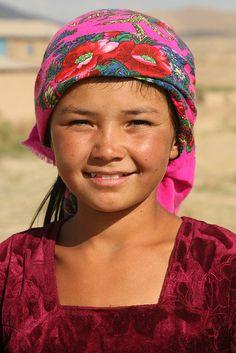 """ Portrait of an Uzbeki girl. Kids Around The World, We Are The World, People Around The World, Around The Worlds, Precious Children, Beautiful Children, Beautiful People, Child Face, Just Smile"