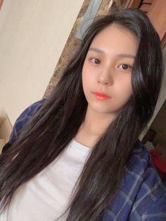 era: time for us Fan cafe update 190609 Kpop Girl Groups, Korean Girl Groups, Kpop Girls, Extended Play, Cool Girl, My Girl, Kim Ye Won, Eye Of The Storm, Gfriend Sowon