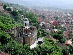 Vista de un antiguo monasterio ortodoxo en Prizren. ◆Kosovo - Wikipedia http://es.wikipedia.org/wiki/Kosovo #Kosovo