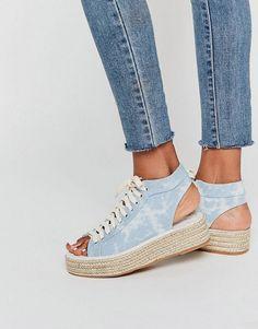 Imagina poder pasearte por la calle con unas zapatillas propias de andar por casa. #zapatos #moda #fashion #tendencia