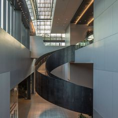 The Smithsonian National Museum of African American History and Culture by David Adjaye has been named the 2017 Beazley Design of the Year. Staircase Architecture, Modern Architecture Design, Museum Architecture, Commercial Architecture, Staircase Design, Interior Architecture, Staircases, Renzo Piano, Stair Decor