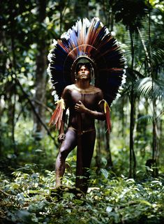 Magic, Men and Mayhem Guerrero Tribal, Photographie Art Corps, Amazon Tribe, Spiritual Images, Arte Tribal, Aboriginal Culture, Indigenous Tribes, Native American Beauty, Tribal People