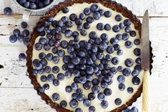 Blueberry cream cheese tart with a gluten-free honey-nut crust Don't stop at blueberries, this cake can be topped with any fruit of the season. Giant Food, Cheese Tarts, Sweet Bakery, Pureed Food Recipes, Cinnamon Cream Cheeses, Chocolate, Cake Cookies, Sweet Recipes, Delicious Desserts