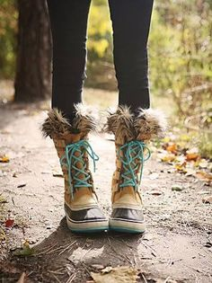 sorel boots, cute laces