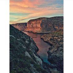 Gozitan sunset! (Photo: @lisa_attard ) info@eventmalta.com; 356 79602939; 356 99459184 #malta #eventmalta #beautifuldestinations #beautifulplace #beach #bay #nature #travelphotography #travelblogger #wanderlust #mediterranean #globetrotter #natgeo #traveltheworld #backpackers #globalnomads #aroundtheworld #worldplaces #tourist #backpacking #passionpassport #bucketlist #islandlife #islands #instapassport #instatravel #bestvacations #honeymoon #travel by eventmalta