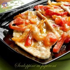 Chicken with peppers-recipe seconds-golosofia No Salt Recipes, Light Recipes, Meat Recipes, Chicken Recipes, Cooking Recipes, Cena Light, My Favorite Food, Favorite Recipes, Good Food