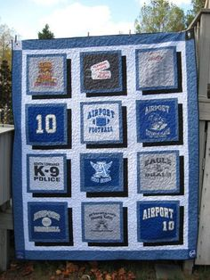 Turn your old favourite shirts into a T-shirt quilt! – Craft projects for every fan! Quilting Tips, Quilting Projects, Quilting Designs, Sewing Projects, Craft Projects, Craft Ideas, Sewing Ideas, Sewing Crafts, Creeper Minecraft