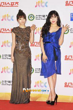 Girls Generation (SNSD) Taeyeon & Tiffany at Red Carpet Golden Disk Award (GDA) 2014 | Kpop Star at red carpet
