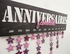 calendrier d'anniversaire Mémo perpétuel en bois découpé avec étoiles Birthday Board, Diy Birthday, Birthday Calender, Fun Crafts, Diy And Crafts, Birthday Dates, Creation Deco, Organizer, Decoration