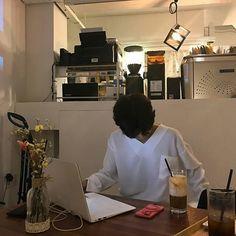 ulzzang boy 얼짱 cute hot fit kawaii adorable korean pretty handsome beautiful japanese asian soft aesthetic 男 男の子 g e o r g i a n a : 人 Korean Boys Ulzzang, Cute Korean Boys, Ulzzang Couple, Ulzzang Boy, Korean Men, Asian Boys, Korean Girl, Aesthetic People, Aesthetic Boy