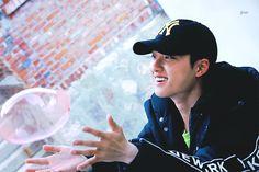 D.O x mlb ~hyunbyun° Kaisoo, Kyungsoo, Chanyeol, K Pop, He Makes Me Happy, Exo Korean, Korean Idols, Exo Do, Do Kyung Soo