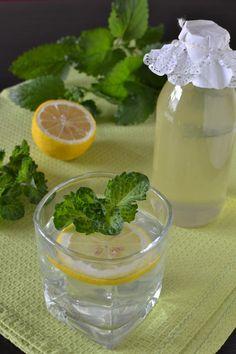 Yummy Drinks, Fondant, Mason Jars, Pudding, Desserts, Food, Mint, Lemon Balm, Syrup