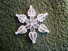 Nouveauté cette année, jai conçu quelques mini ornements de flocon de neige prêt…