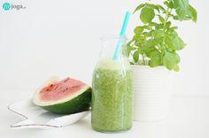 Zielony koktajl z jarmużem - smaczny przepis - fit-joga.pl