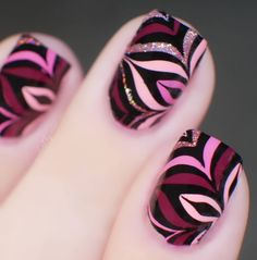 """• Nici • on Instagram: """"𝓦𝓮𝓻𝓫𝓾𝓷𝓰 / 𝓟𝓻 𝓢𝓪𝓶𝓹𝓵𝓮 / 𝓼𝓮𝓵𝓫𝓼𝓽 𝓰𝓮𝓴𝓪𝓾𝓯𝓽 . Guten Abend ihr Süßen 😘❤️ heute habe ich mal wieder ein #reversestamping für euch in Marble Form😍 ich…"""" Nail Polish Designs, Nail Designs, Autumn Nails, Form, Nail Art, Instagram, Advertising, Nail Design, Nail Arts"""