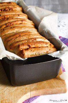 Il Pane morbido alla birra farcito è un pane molto soffice che viene farcito prima di essere infornato. La ricetta è di Smitten Kitchen