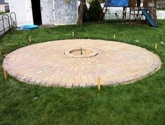Wonderful Backyard Fire Pit Design Ideas For Comfortable Relaxing Space 20 Garden Fire Pit, Diy Fire Pit, Fire Pit Backyard, Backyard Patio, Outside Fire Pits, Fire Pit Landscaping, Landscaping Ideas, Building A Patio, Fire Pit Materials