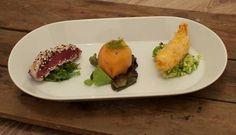3 mooi opgemaakte vishapjes op een bord. Deze trio van vis met zalm en tonijn is ontzettend lekker. Een heerlijk voorgerecht om je gasten mee te imponeren. Tapas, Dutch Kitchen, Good Food, Yummy Food, Xmas Food, High Tea, Food Plating, Wine Recipes, Food Inspiration