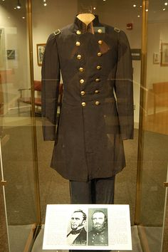 """General Thomas """"Stonewall"""" Jackson& Uniform displayed at Virginia Military . General Thomas """"Stonewall"""" Jackson& Uniform displayed at Virginia Military Institute, Lexington, VA Source by babybuys. Confederate States Of America, America Civil War, Stonewall Jackson, Civil War Photos, Le Far West, Military History, Southern Heritage, Civil Wars, American History"""