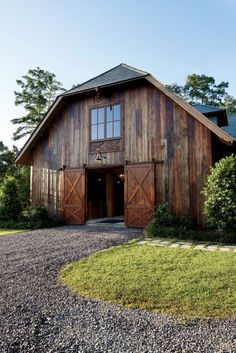 "- BARNDOMINIUM PLANS - ""Barndominium"" is rising in popularity as modern residential and commercial buildings. Modern barndominium plans have many advant. Horse Barns, Old Barns, Horse Stables, Contemporary Cabin, Contemporary Interior, Barndominium Floor Plans, Barn Living, Living Area, Living Room"