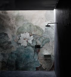 Waterproof glass-fibre wallpaper with floral pattern NIVEUM - Wall&decò
