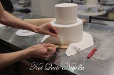 step-by-step tutorial for putting together and decorating a wedding cake - from Faye Cahill cake class Cake Decorating Techniques, Cake Decorating Tips, Fondant Cakes, Cupcake Cakes, Cupcakes, Lemon And Coconut Cake, Pastry Design, Two Tier Cake, Frosting Tips