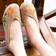 Find More Women's Flats Information about Handmade ladies ethnic flower embroidery flat oxford shoes for women zapatos mujer zapatos planos mujer chaussures size 35 39,High Quality shoes women wide feet,China embroidery bedding Suppliers, Cheap shoe lining from Crazy In Thai on Aliexpress.com