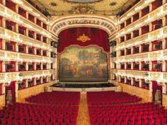 Wedding at San Carlo Theatre, Napoli, Italy - wedding package from In Holiday & In Luxury Experience - iBride.com