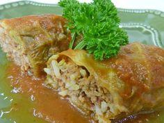 """Apesar da aparência não bonita, é a minha comida preferida! Charuto de repolho, arroz e carne suína. Um dos pratos mais tradicionais húngaros, o famoso """"tertekápóstó"""""""