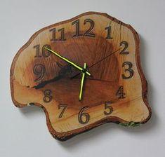 this is wood clock, but its not wood, its print Rustic Wall Clocks, Wooden Clock, Rustic Walls, Rustic Wood, Clock Art, Diy Clock, Woodworking Candle Holder, Wood Projects, Woodworking Projects