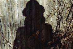 Vivian Maier - Self Portrait, Chicago area, January (shadow fence) / Chromogenic Print - 10 x 15 (on paper) Vivian Maier, History Of Photography, Street Photography, Portrait Photography, Urban Photography, Color Photography, White Photography, Best Street Photographers, Famous Photographers