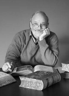 Alan Bradley, author of Flavia se Luce -series. Met him in Finland this week. What a sweet, sweet man!