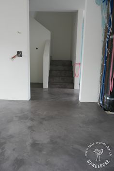 MakingOf: Fugenloser Boden Grau Bei Haussanierung #bodenbelag #zurich  #lebewunderbar