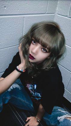 My edits, Credits:♡Boss bitch♡ Blackpink Lisa, Jennie Lisa, Kpop Girl Groups, Kpop Girls, Lisa Blackpink Wallpaper, Black Pink Kpop, Blackpink Photos, Kim Jisoo, Girl Bands