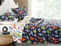 Robots Aliens UFOs Outer Space Boys Bedding Twin Full/Queen Cotton Quilt Set Navy Blue & White
