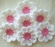 Learn a few hints of crochet flower patterns with easy step by step - Crochet Patterns #crochetflowers