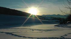 Blick von Vorderhindelang Richtung Sonthofen im Winter, aufgenommen am Wiesenweg beim Kur und Sporthotel