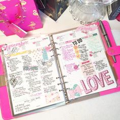 last week in my FluroPink. This planner is so awesome!!! I wish I could love it for the fall but I have to say goodbye for now. I do love how these @simplestories_ So Fancy collection pops in it though. A great way to send off my lovely Flora (her name ). Now time to do some work while I watch the Raiders game. #FluroPink #Filofax #FluroPinkOriginal #SoFancy #SimpleStories #PlannerGirl #PrettyPlannerPages #PlannerNerd #PlannerLove by planners_and_tiaras