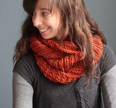 Carmella Cowl by Elizabeth Smith. malabrigo Chunky. Glazed Carrot colorway. Breipatroon.