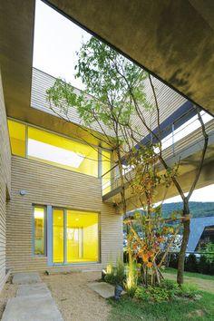 백토벽돌로 감싼 3대가 사는 주인 닮은 집 - Daum 부동산 커뮤니티