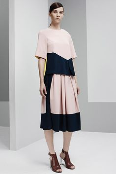 Araks Spring 2015 Ready-to-Wear - Collection - Gallery - Look 1 - Style.com