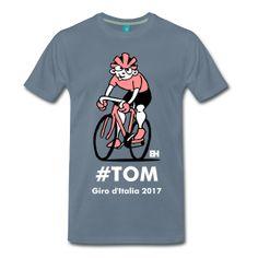 Nieuwe blog: T-shirt voor Tom #Tekenaartje #Blog  28 mei 2017. Tom Dumoulin wint op een boedstollende laatste dag de Giro d'Italia. Na gevochten te hebben voor wat hij waard is in de bergen knoopt hij de drie klimmers boven hem in het klassement aan de zegekar met een magistrale tijdrit.  Speciale gebeurtenissen vragen om speciale T-shirts. Bovendien is Tekenaartje niet alleen een tekenaartje maar ook een fietsertje. Daarom vanaf nu verkrijgbaar in de Tekenaartje T-shirt shop: het speciale… Shirt Shop, T Shirts, Toms, Mens Tops, Shopping, Tee Shirts, T Shirt, Tees, Shirts