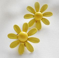 Yellow Retro Daisy Earrings by normajeanscloset on Etsy, $9.99