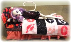 My super easy DIY Monster High bed. Fits all fashion dolls and made from simple materials you have around the house.
