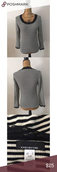 Jones New York Striped Top Measurements - Bust 17in (34) Length 21in This Top does have stretch. Has pretty Lace detailing on the sleeves and around the neck. Perfect for fall. 💕 Jones New York Tops Tees - Long Sleeve