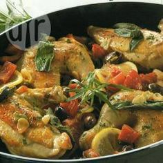 Geschmortes Huhn mit Oliven