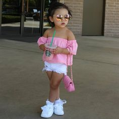 2017 Mode Enfant Enfants T-shirt Tops Off épaule Solide Rose Enfants Blouse T shirt Enfants Vê Baby Outfits, Outfits Niños, Little Girl Outfits, Little Girl Fashion, Baby Dresses, Girls Fashion Clothes, Toddler Fashion, Kids Fashion, Fashion Fashion