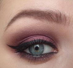 her tutorials are amazing! I have been poking through her blog for about an hour now...gorgeous stuff!